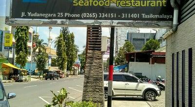 Photo of Seafood Restaurant Mutiara Seafood Restaurant at Jl. Yudanagara No. 25, Tasikmalaya, Indonesia