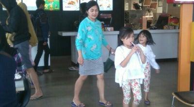 Photo of Burger Joint McDonald's Pekayon Bekasi at Jl. Raya Pekayon No.66, Kota Bekasi, Jawa Barat, Indonesia