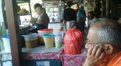 Photo of Breakfast Spot Waroeng Bu' Ros Samping Rs. Fakinah at Geuceu, Banda Aceh, Indonesia