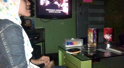 Photo of Music Venue Nav Karaoke at Raya Bratang Belakang Kebun Bibit, Indonesia
