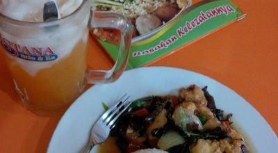 Photo of Chinese Restaurant Istana Mie Pekalongan at Jln. Gajah Mada, Pekalongan, Indonesia