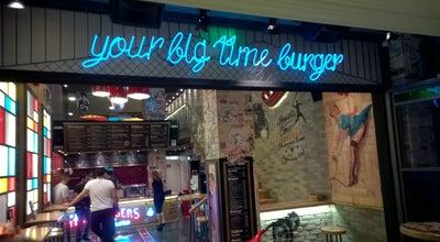 Photo of Burger Joint Hot Hot Burger Bar at Λεωφ. Μεσογείων 258, Cholargos 155 61, Greece