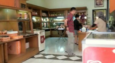 Photo of Bakery Toko Shoes, Roti, Kue Merdeka at Jln. Gatot Subroto, Cimahi, Indonesia