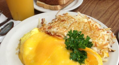 Photo of Coffee Shop Snooty Fox at 23028 Lake Forest Dr, Laguna Hills, CA 92653, United States