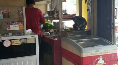 Photo of Fried Chicken Joint Ayam & Bebek Goreng Ny. Daryati at Jalan Magelang - Yogyakarta, Magelang 56511, Indonesia