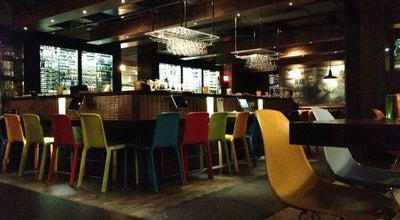 Photo of Burger Joint Chez Victor at 140-300 Rue Saint-paul, Québec, QC G1K 7R1, Canada