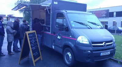 Photo of Food Truck bistro truck at Village Créatif, Villeneuve D'ascq 59650, France