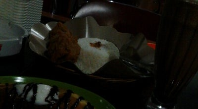 Photo of Cafe Waroeng Jalur Ijo at Jl. Sangga Buana I No 34, Palangka Raya, Indonesia