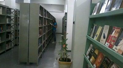 Photo of Library Biblioteca Municipal at R. Quinze De Novembro, 328 - Fundinho, Uberlândia 38400-214, Brazil