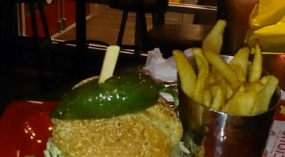 Photo of Burger Joint Red Robin Gourmet Burgers at 552 Oakbrook Ctr, Oak Brook, IL 60523, United States