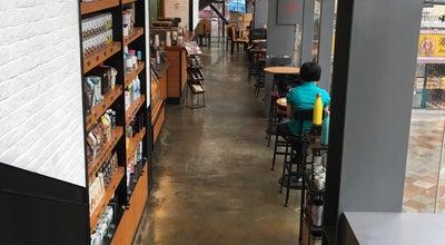 Photo of Coffee Shop Starbucks Coffee 新港西 82 店 at 海珠区新港西路新港82, Guangzhou, Gu 510260, China