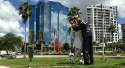 Photo of Outdoor Sculpture Unconditional Surrender Statue at Island Park Drive, Sarasota, FL 34236, United States