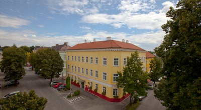 "Photo of Hotel Hotel ""Unter den Linden"" at Schillerstraße 5, Krems 3500, Austria"