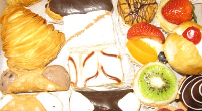 Photo of Bakery La Guli Pastry Shop at 2915 Ditmars Blvd, Astoria, NY 11105, United States