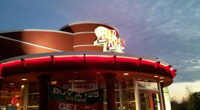 Photo of American Restaurant Red Robin Gourmet Burgers at 1507 Highwoods Blvd, Greensboro, NC 27410, United States