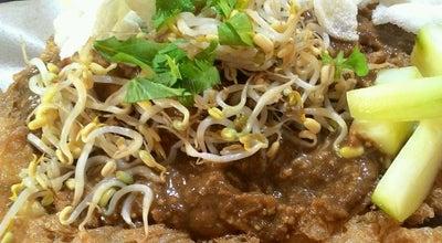 Photo of Vegetarian / Vegan Restaurant Rujak Cingur & Gado-Gado Kaliurang at Jl. Melati No. 44, Malang, Indonesia