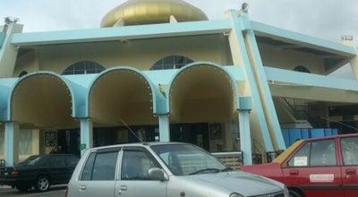 Photo of Mosque Masjid Jamek Kg. Melayu Majidee at Jalan Masjid, Johor Bahru 81100, Malaysia