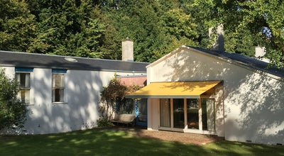 Photo of Historic Site Finn Juhl Villa at Kratvej 15, Charlottenlund, Denmark