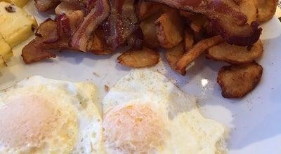 Photo of Breakfast Spot Petinos Déjeuner & Diner at 590 Av Saint-charles, Vaudreuil-Dorion, QC J7V 8H2, Canada