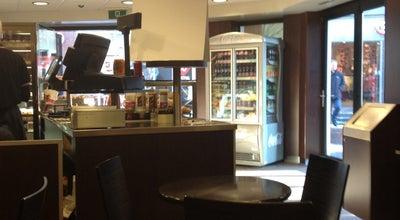 Photo of Bakery Bakker Bart at Kleiweg 67, Gouda 2801 GD, Netherlands