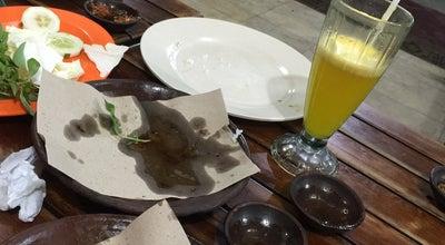 Photo of Asian Restaurant Bebek Goreng H. Slamet at Jl. Agil Kusumadya, Jati, Indonesia
