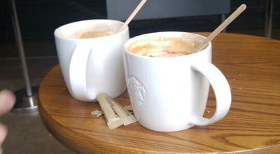 Photo of Coffee Shop Starbucks at Ferdinand Bolstraat 45, Amsterdam 1072 LM, Netherlands