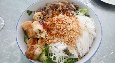 Photo of Vietnamese Restaurant Chez Joy at 84 Rue Daguerre, Paris 75014, France