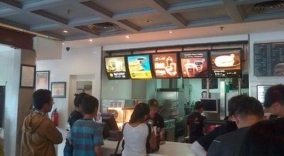 Photo of Fast Food Restaurant McDonald's / McCafé at Gedung Sarinah Thamrin, Lt. Dasar, Jakarta Pusat 10350, Indonesia