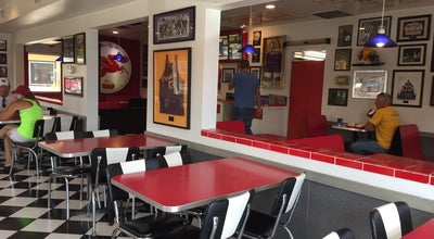 Photo of Burger Joint Dusty's In N Out at 1427 N Wenatchee Ave, Wenatchee, WA 98801, United States