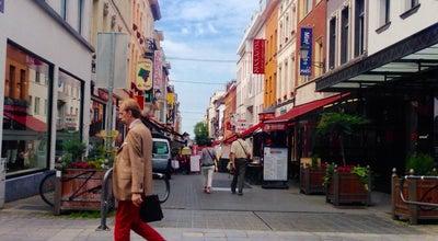 Photo of Boutique Massimo Dutti at Louizalaan 20 Avenue Louise, Bruxelles, Belgium
