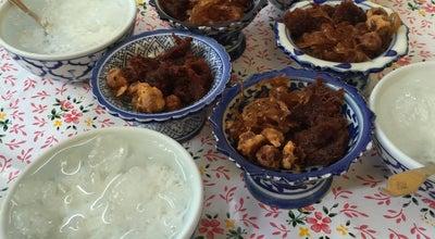 Photo of Asian Restaurant ข้าวแช่แม่อร at ตลาดริมน้ำ, คลองกระแซง 76000, Thailand