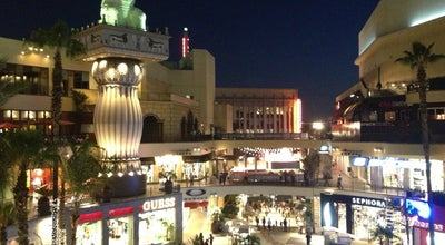 Photo of Mall Hollywood & Highland Center at 6801 Hollywood Blvd, Los Angeles, CA 90028, United States