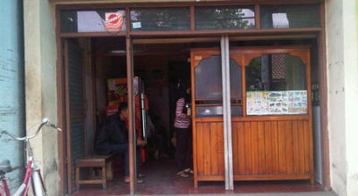 Photo of Ramen / Noodle House Mie baso Mang Nana at Jl Tampomas 106, Sumedang Utara, Indonesia