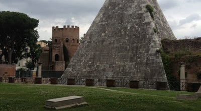 Photo of Monument / Landmark Piramide Cestia at Piazzale Ostiense, Roma 00154, Italy