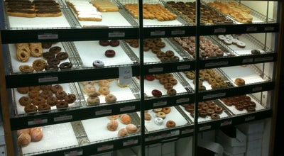 Photo of Donut Shop Donut Hut at 4941 Douglas Ave, Des Moines, IA 50310, United States