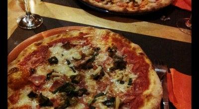 Photo of Pizza Place Pizzeria La Pulcinella at C. Bisbe Lorenzana, 18-20, Girona 17002, Spain