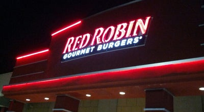 Photo of Burger Joint Red Robin Gourmet Burgers at 125 Old Country Rd, Carle Place, NY 11514, United States