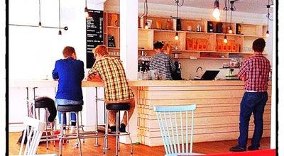 Photo of Cafe Djäkne Kaffebar at Djäknegatan 9, Malmö 211 35, Sweden