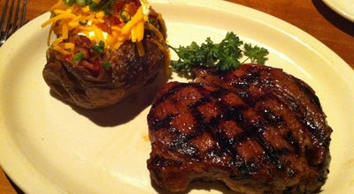 Photo of Steakhouse Houston's at 320 S Arroyo Pkwy, Pasadena, CA 91105, United States