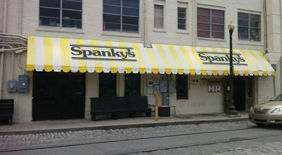 Photo of Pizza Place Spanky's Pizza Gallery & Saloon at 317 E River St, Savannah, GA 31401, United States