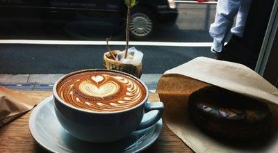 Photo of Coffee Shop STREAMER COFFEE COMPANY Shibuya at 渋谷1-20-28, 渋谷区 150-0002, Japan