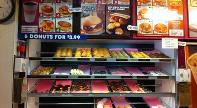 Photo of Coffee Shop Dunkin' Donuts at 19 Rector St, New York City, NY 10006, United States