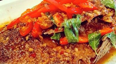 Photo of Thai Restaurant Lers Ros Thai at 307 Hayes St, San Francisco, CA 94102, United States