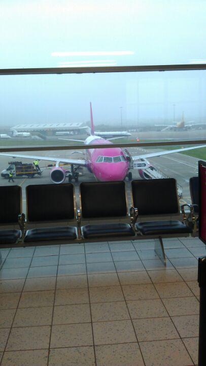Luton Mid Term Parking >> Luton Luton Lotnisko - odloty, przyloty, mapa ...