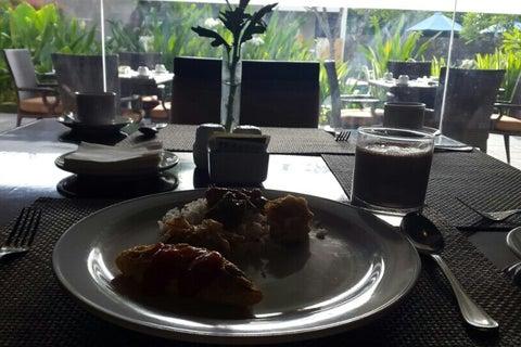 Foto Cafe Bayan Hotel Santika Mataram