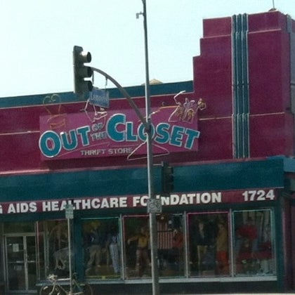 Charming Out Of The Closet   Echo Park Reviews, Photos   Silverlake   Los Angeles    GayCities Los Angeles