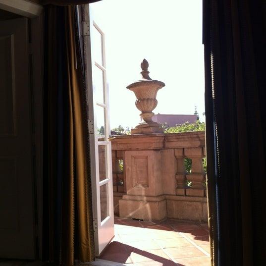 Photo taken at Langham Huntington Hotel by nic t. on 7/4/2012