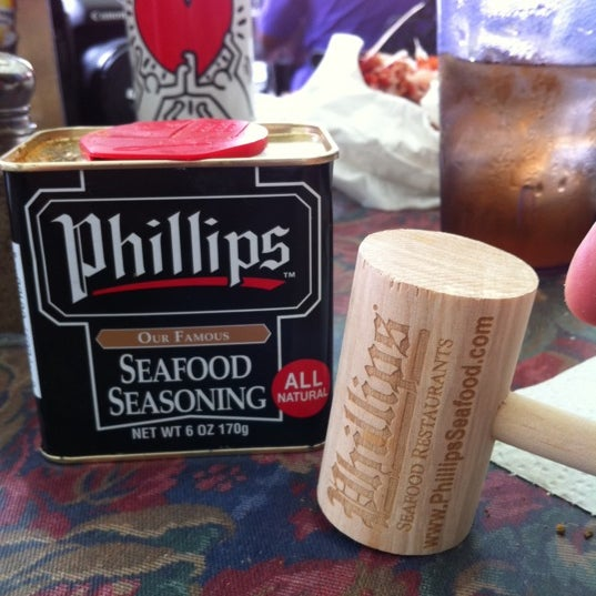 Photo taken at Phillips Seafood by Flavor Chasers on 6/25/2011