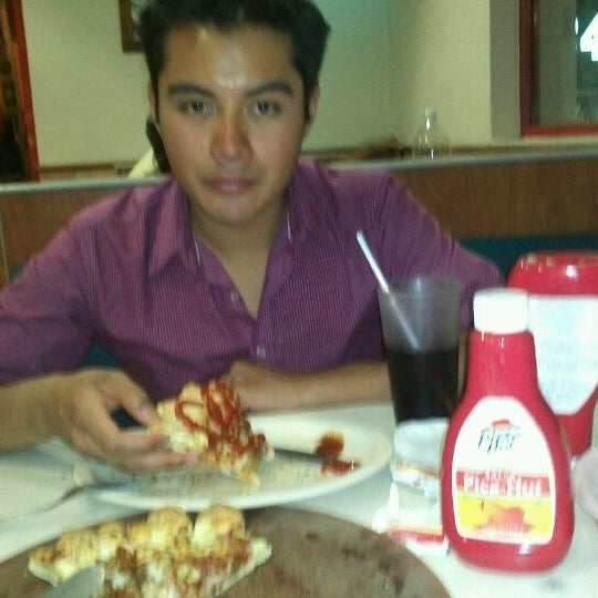 Photo taken at Pizza Hut by Prudy T. on 4/7/2012