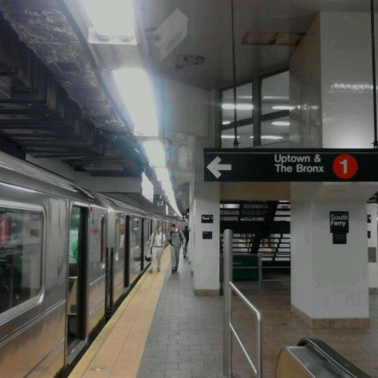 Photo taken at MTA Subway - South Ferry (1) by 0zzzy on 4/27/2012